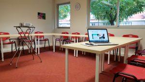 Pour une location à la journée ou à l'heure vous pouvez réserver la salle de formation du Centre Allaitement Véronique Darmangeat